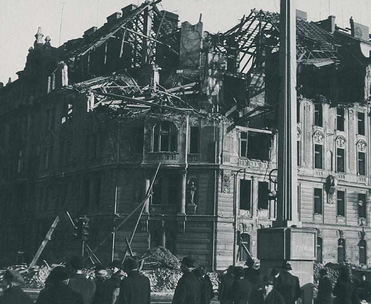 A Fotka puvodniho domu 1950