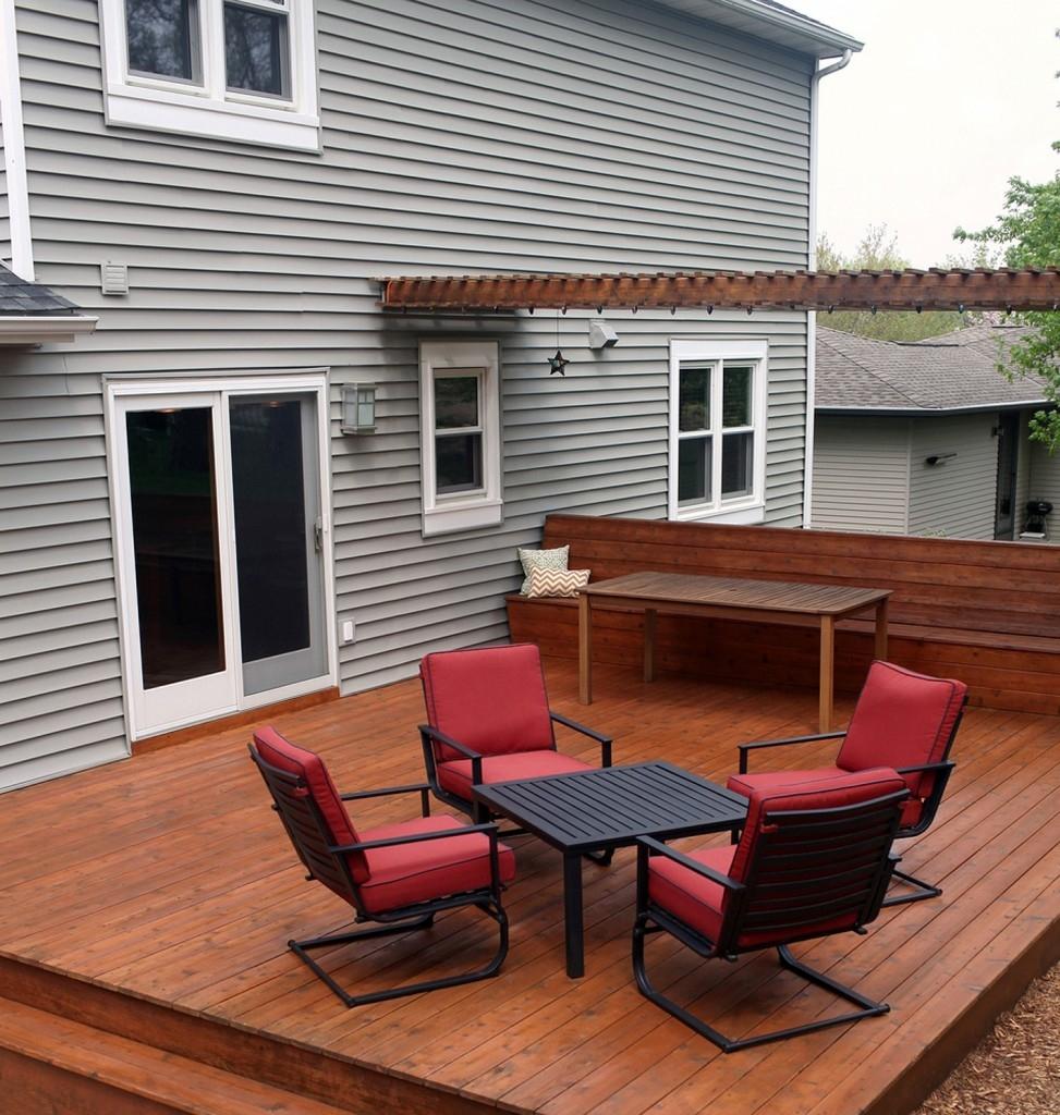 Povrchová úprava dřevěných a kovových podkladů pro venkovní prostředí