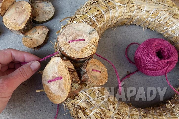 Knoflíkový věnec pro štěstí, s vůní borového dřeva 6
