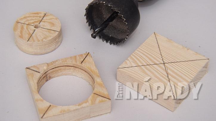 DIY stojan na stromek: vyvrtáme otvory pro vsazení stromečku