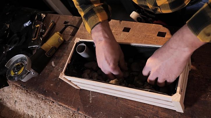 Jak vytvořit z dřevěné bedýnky samozavlažovací truhlík