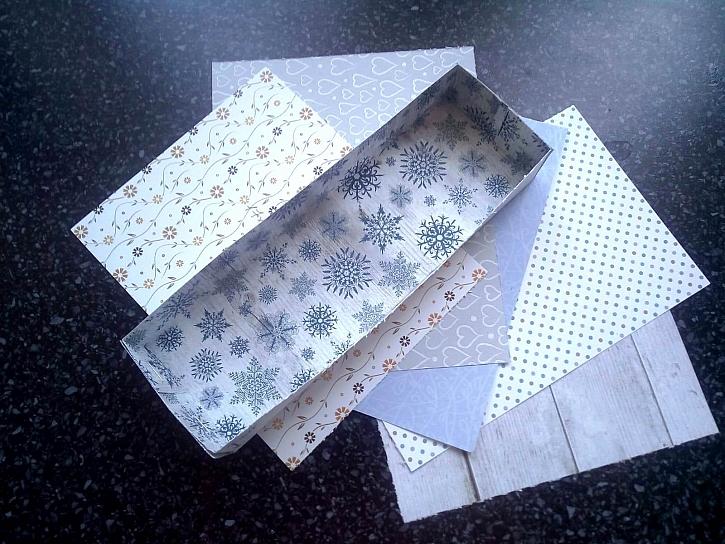 Krabička z barevného papíru