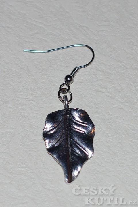 Dárek za pár minut – kovový náhrdelník s přívěskem