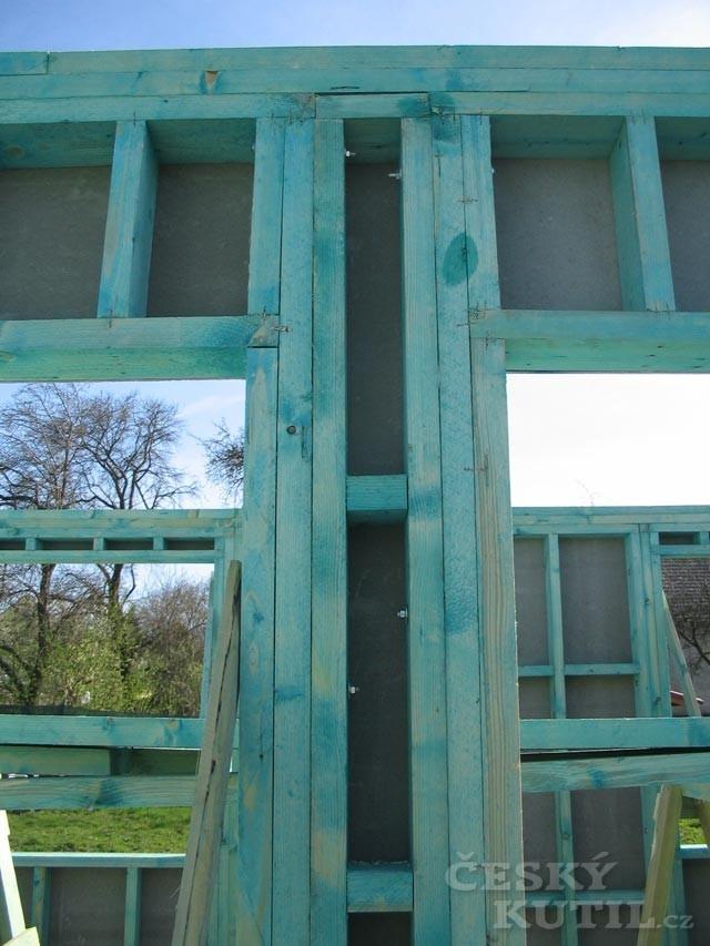 Dřevostavba na vlastní kůži 18. díl - věnec domu a krovy