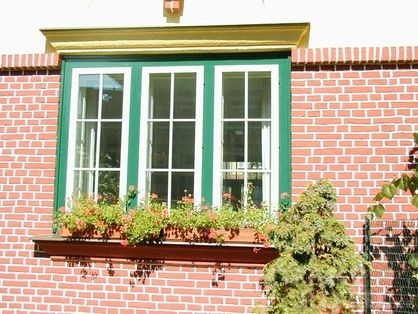 Natírání starých oken a dveří