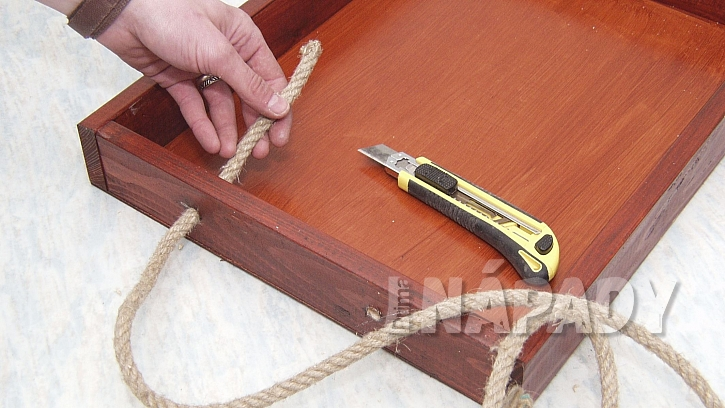 DIY servírovací tác: z provazu vytvoříme v úchyt