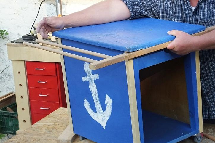 námořnická skříňka