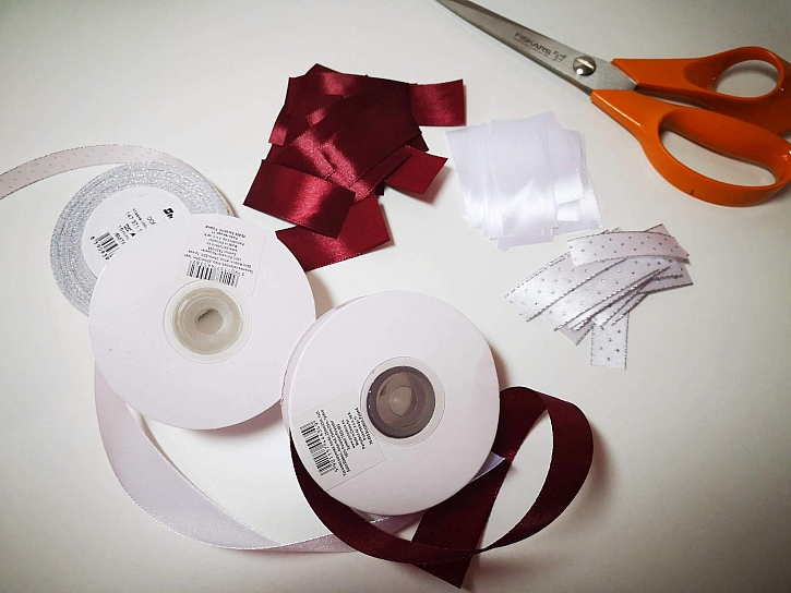 Materiál na výrobu dekorace