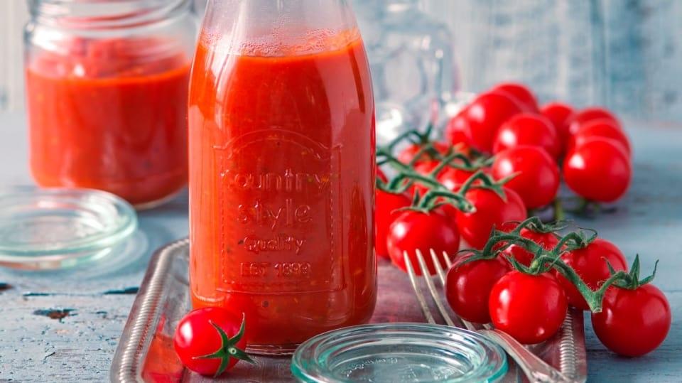 Jak připravit vynikající pochoutku zrajčat: Domácí kečup bez cukru