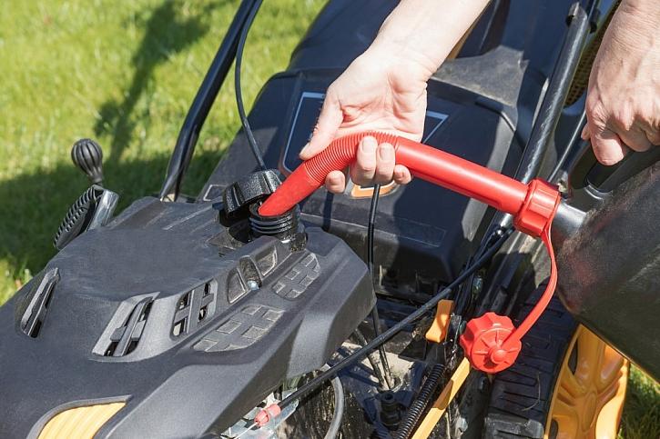 Není benzin jako benzin, pozor je třeba dávat především na stáří paliva