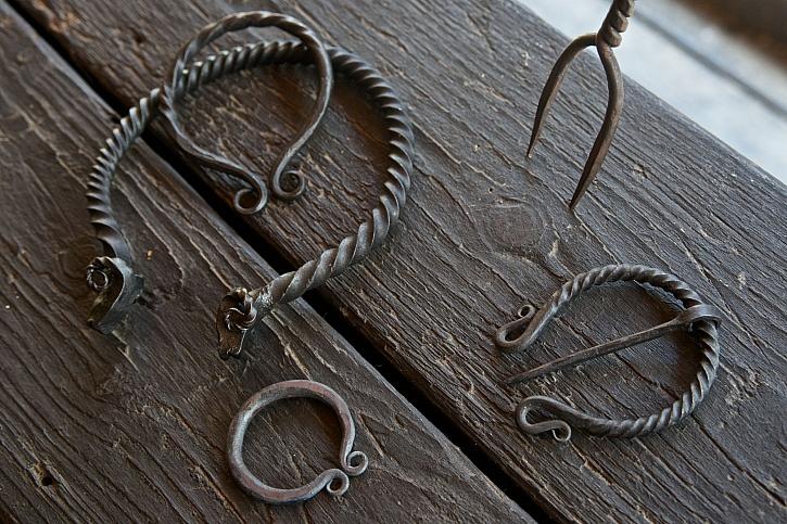 Umělecké předměty z kovu