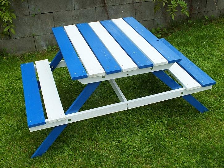 Zahradní stůl pro děti