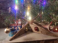 Vyrobte si skládací stojánek na vánoční stromeček