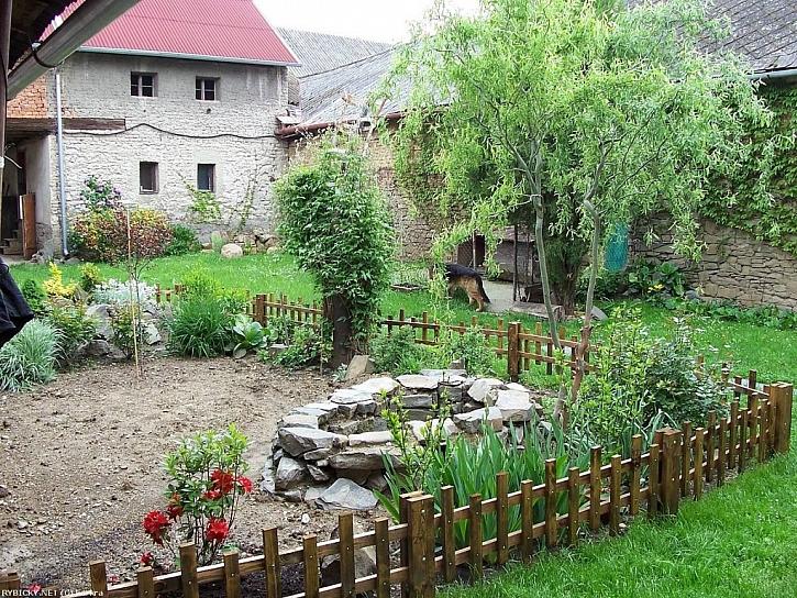 Stavba zahradního jezírka