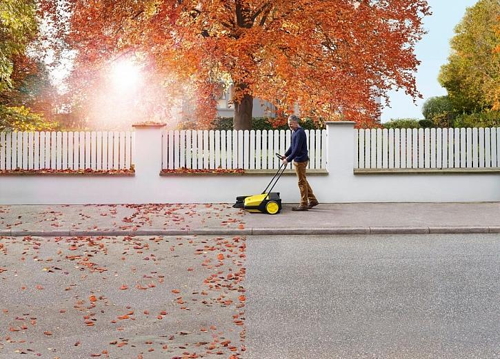 Jak na podzimní úklid na zahradě i kolem domu
