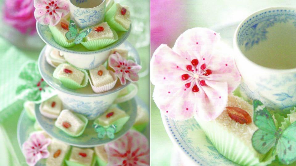 Šípkové růžičky aneb vlastnoručně ušité dekorační kvítky podle Tildy