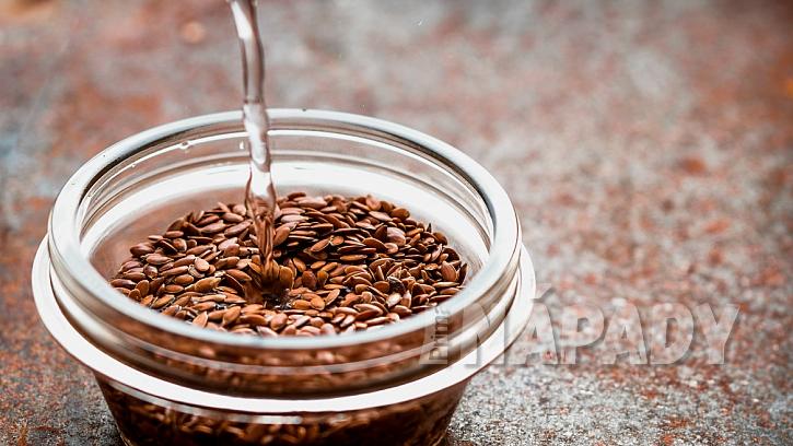 Jak urychlit klíčení semínek: kvalitní semena zalijte vodou