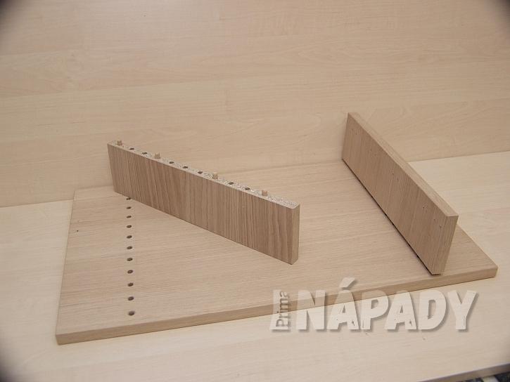 Domácí počítačová pracovna: díly jsou spojeny dřevěnými kolíčky