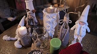 Vychytaný svícen ze starého svetru a zavařovačky