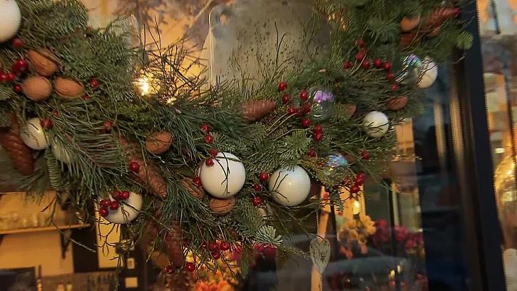 Víte, jak vytvořit vánoční girlandu z přírodních materiálů?