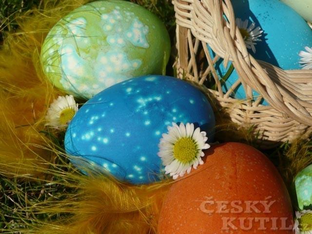 Pestrobarevná vejce aneb vyzkoušeli jsme za vás