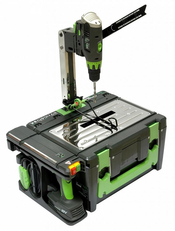 Sada akumulátorového nářadí v přenosném kufru POWER8workshop