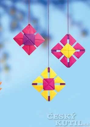 Čtvercové přívěsky tangrami