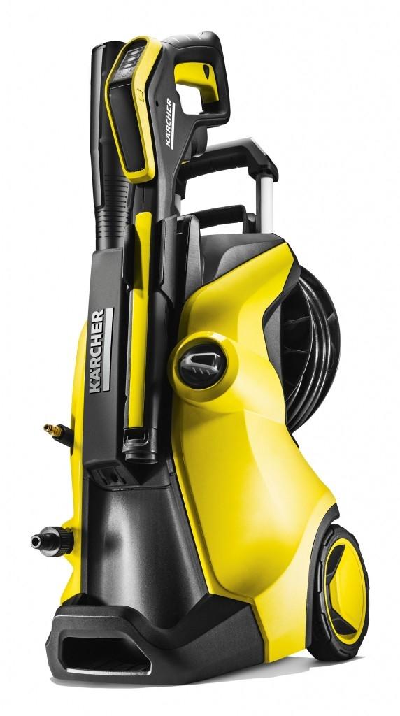 Raději si čistíte své auto sami? S vysokotlakým čističem od Kärcheru to půjde samo!