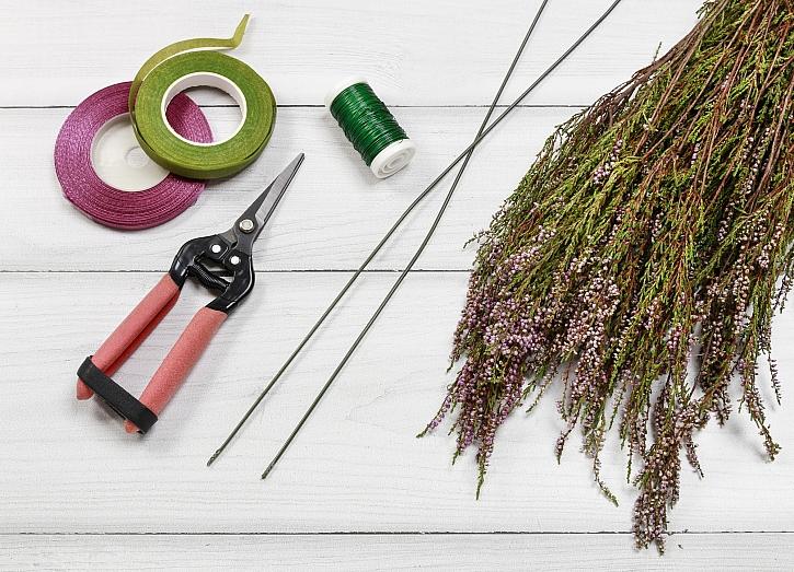 Materiál na výrobu podzimní dekorace na dveře