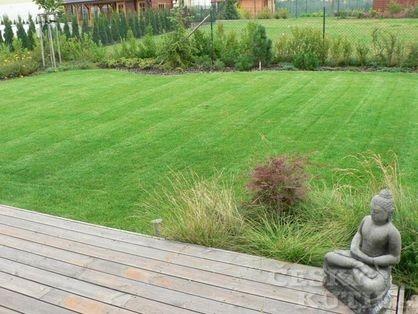 Jak vytvořit pruhy na trávníku