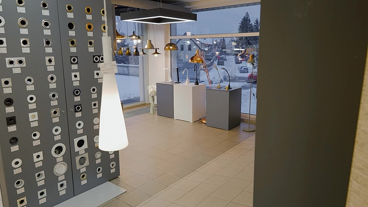 S výběrem svítidel do celého domu nám pomohli naši designeři, kteří navštívili studio ELKOV elektro