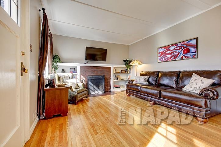 Pokud o dřevěnou podlahu budeme pečovat, odmění se nám dlouhou životností (Zdroj: Depositphotos.com)