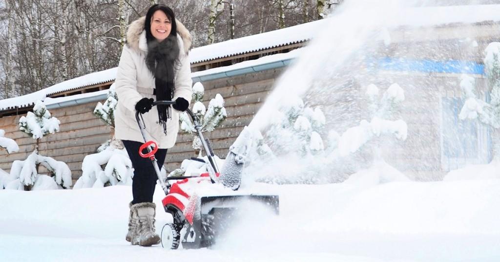 Hrablo vs. sněhová fréza