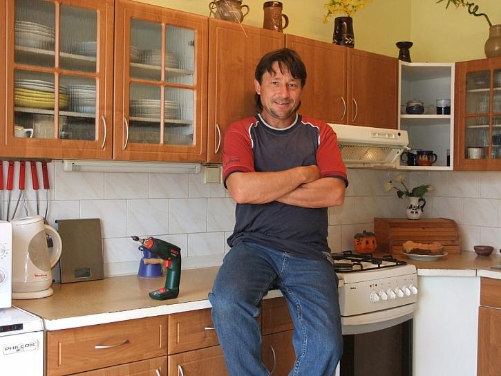 Výměna kuchyňských dvířek dokáže starou kuchyňskou linku proměnit k nepoznání