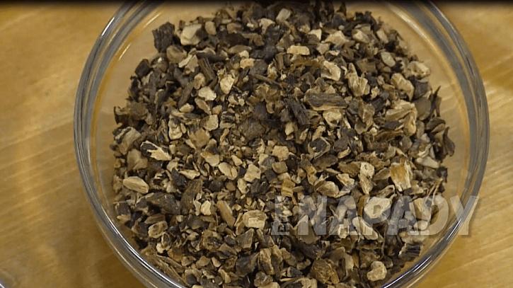 Sušený kořen kostivalu