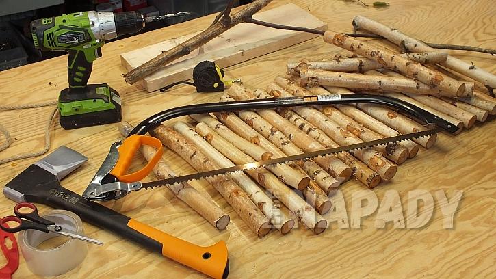 Co na výrobu nosítka na dřevo se stojanem potřebujeme