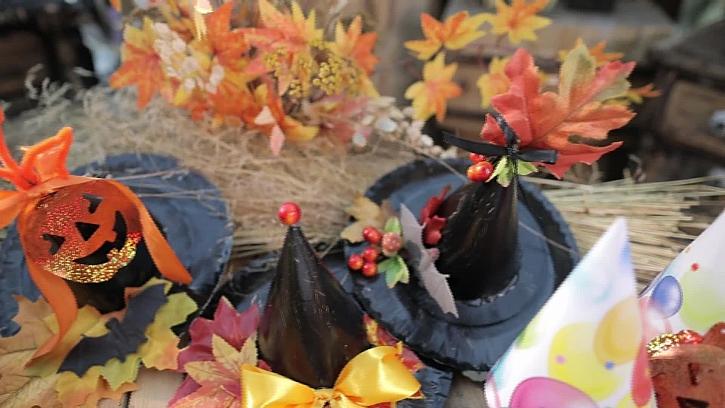 Karnevalový čarodějnický klobouček
