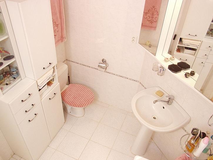 Hra barev v koupelně
