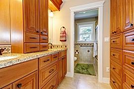 Chystáte se pořídit si nový koupelnový nábytek? Možná uvítáte pár rad, podle čeho se orientovat při výběru