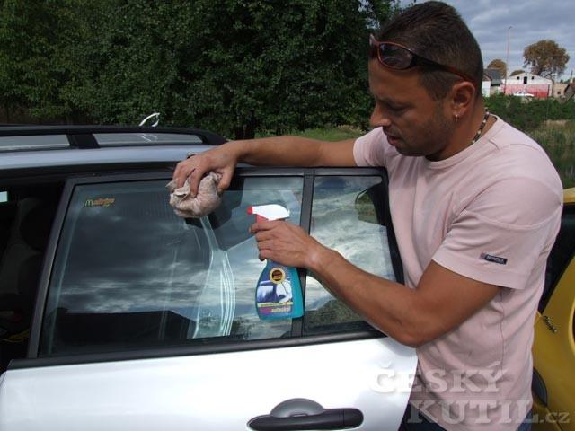 Autokosmetika podruhé aneb sklo a plast se musí blýskat