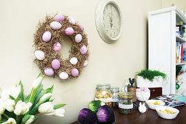 Velikonoční věnec na zavěšení: Jarní dekorace zvyfouknutých skořápek