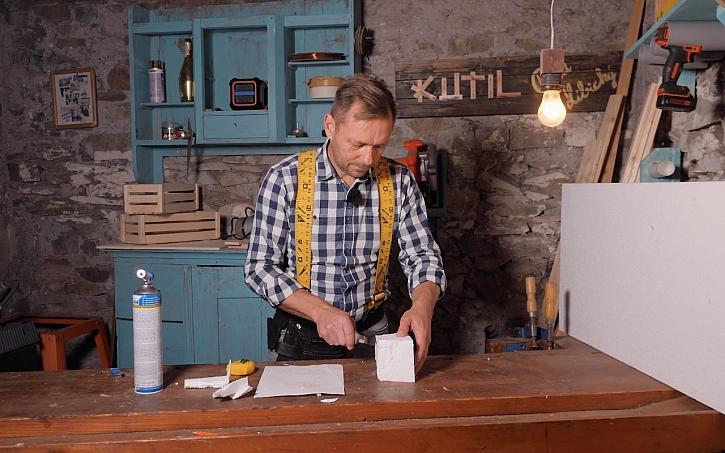 Pepa Libický vyrábí repliku ceny Effie