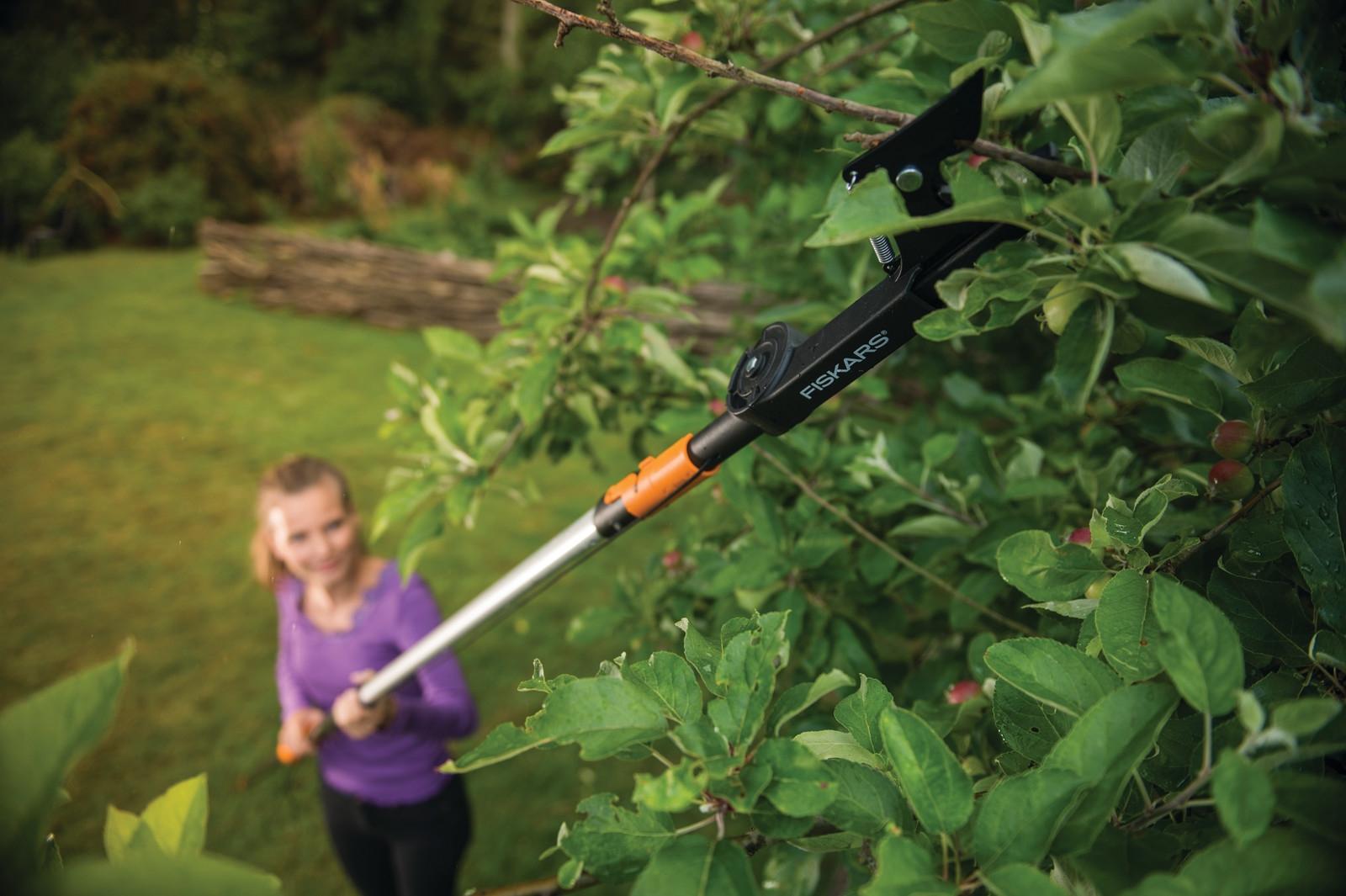 Údržba celé zahrady s jediným nástrojem