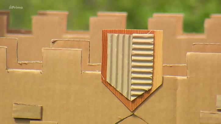 Detail kartonového hradu