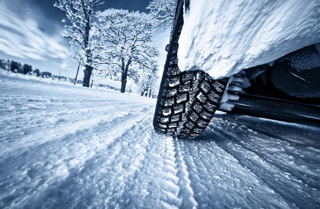Jaká by měla být výbava automobilu na zimu?