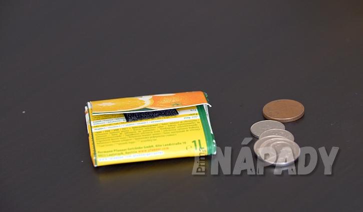 Peněženka na mince z kartonu od džusu či mléka