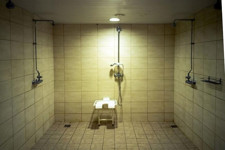 Tělesně postižený člověk potřebuje v koupelně dostatek místa