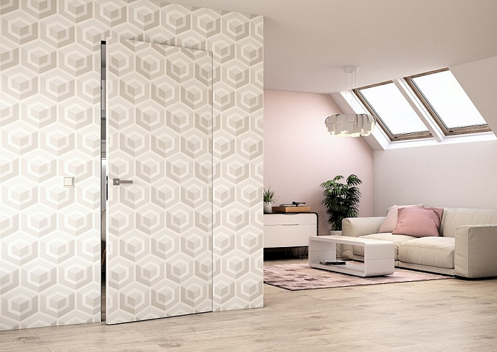 Neviditelné dveře? Použijte skryté zárubně a tapetu