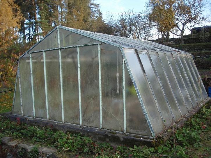 U klasického skleníku je dobré vybudovat základy