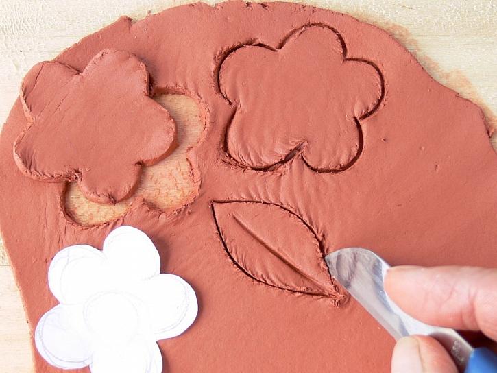 Květináče pro radost – návod na ozdoby z modelovací hmoty